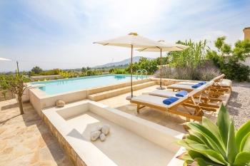 Chalet con piscina - Apartamentos Ibiza